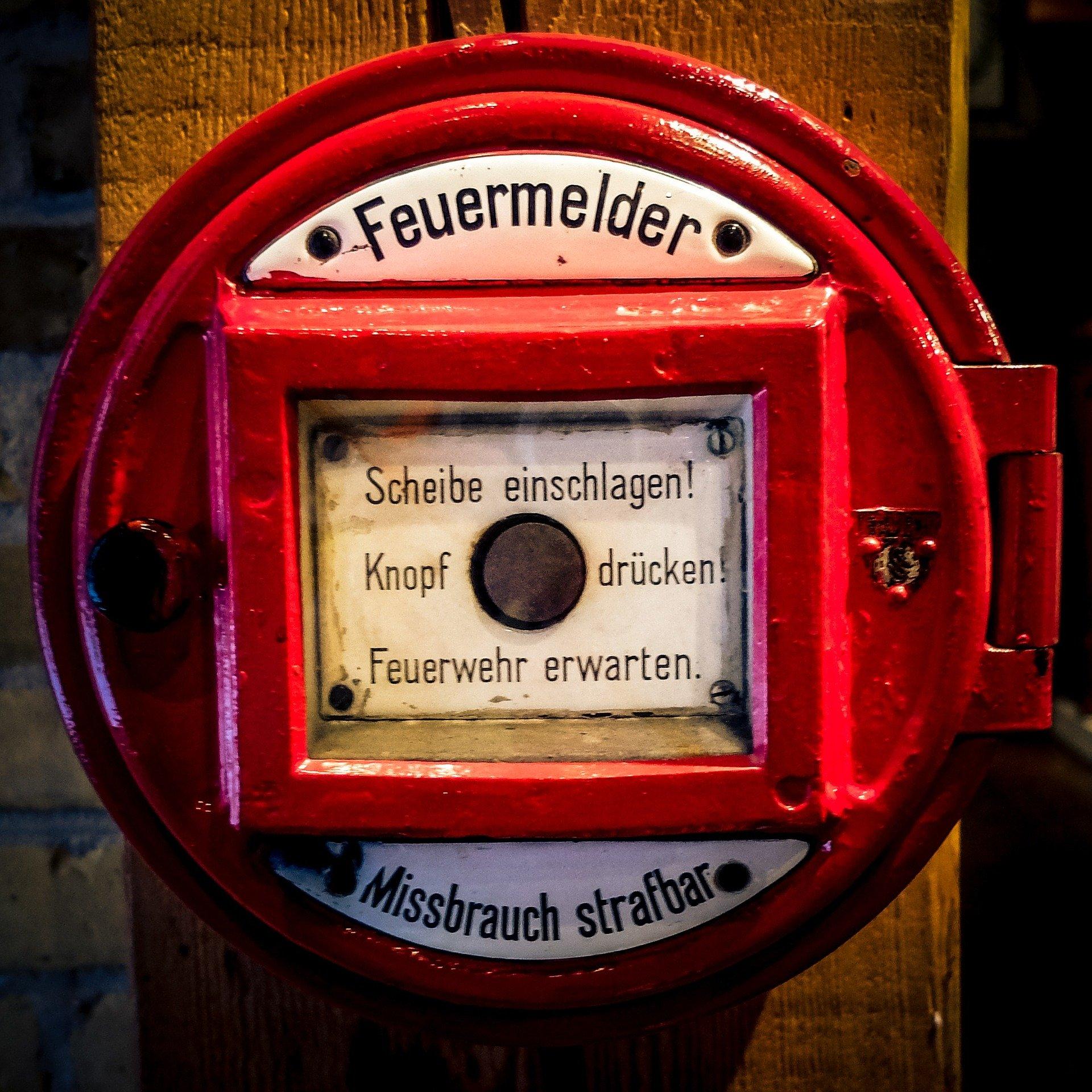 IT-Notfall - es brennt ... Foto: Thomas Wolter via Pixabay