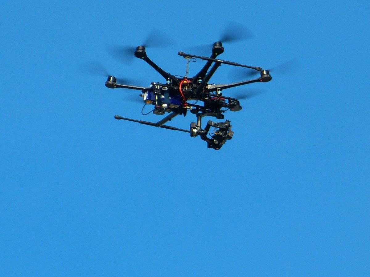 Drohnenführerschein mit Flugtraining – vom Versicherungsdienstleister